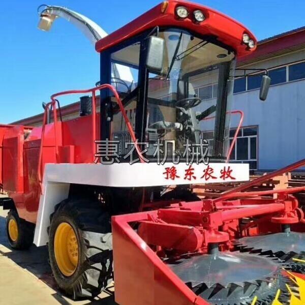 玉米收割和青储一体机